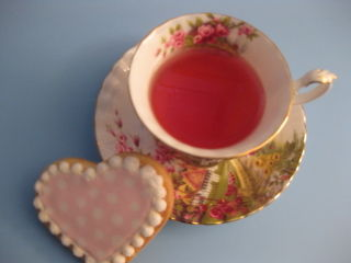 Tea cup with heart